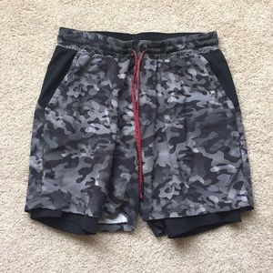 Lululemon men's shorts sz lg